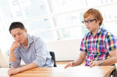 (左)演出/脚本/プロデューサー 土屋哲彦さん、(右)代表取締役 演出/プロデューサー 和田篤司さん