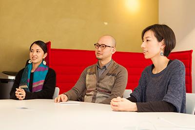 (左)コミュニティ・マネージャー 小田潮美さん、(右)クリエイティブ・マネージャー 佐藤千秋さん