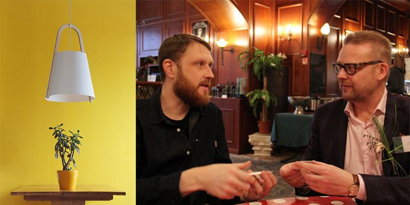 左:セルロースでできたHavukko(ハヴッコ)コレクションの内の一つ。画像提供:ヨナス・ハカニエミ。右:セルロースのシートを手に打ち合わせするヨナスとアキ・サーリネン氏。クレジット:靴家さちこ