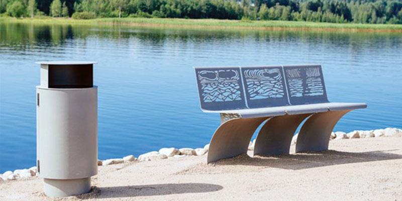 ユヴァスキュラ市からの委託で公共ベンチのデザインも手がけた。画像提供:ヨナス・ハカニエミ
