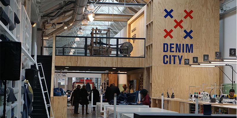 取材場所の「DENIM CITY」は工房兼学校兼ストアのユニークな場