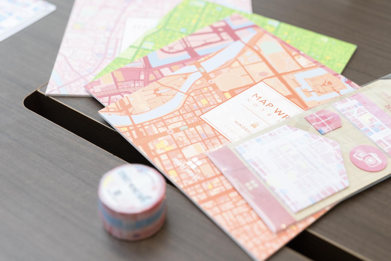 クリアファイル、ノートパッド、マスキングテープ、ふせんが発売中の『mati mati』シリーズ。北は札幌から南は那覇まで、15の都市がラインナップされている