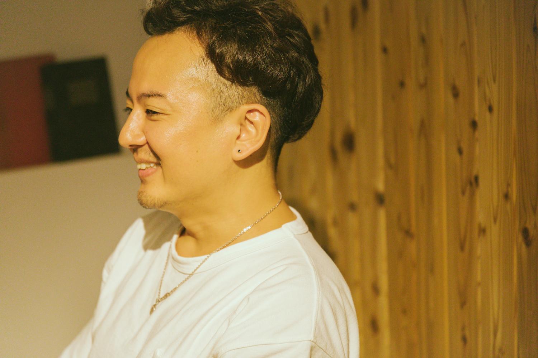 株式会社サザビー 代表取締役の小島伸夫さん。大手映像制作プロダクションを経て、2018年3月に会社を設立。「オフライン編集にとどまらず、もっとCG制作に力を入れたくて独立しました」