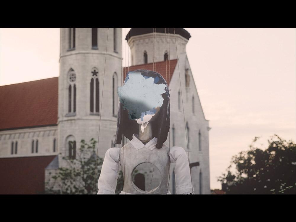 ヨルシカ『心に穴が空いた』MV