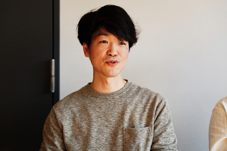 カラリストの大西悠斗さん。入社3年目